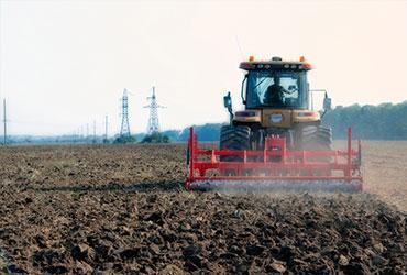 Dėl ko naudingi traktoriaus svoriai?